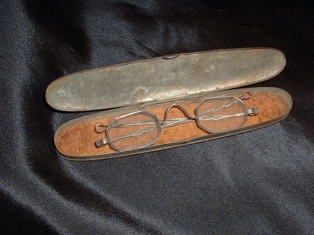 CIVIL WAR IDENTIFIED EYE GLASSES WITH CASE 1860